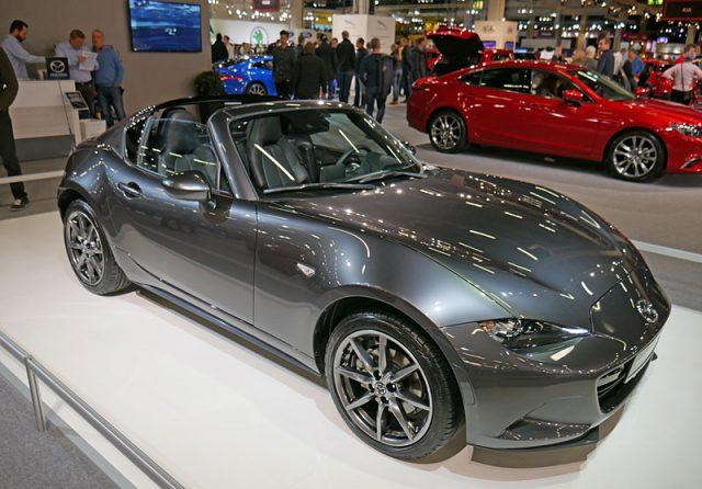 Auto 2016 Mazda